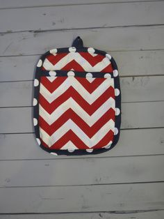 Caught Ya Lookin'- Red and Navy Pot Holder