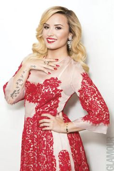 En portada: Demi Lovato en nuestra edición de noviembre 2013