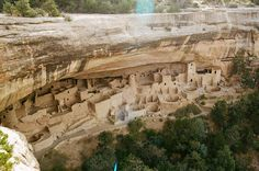 Mesa Verde National Park Cliff Palace Who says the Ancestral Puebloneans (a. Anasazi) were primitive? The evidence I saw during my short visit to Mesa Verde convinced me they were pretty advanced. Vacation Places, Vacation Spots, Places To Travel, Places To See, Travel Destinations, Family Vacations, Disney Vacations, Road Trip To Colorado, Colorado Usa