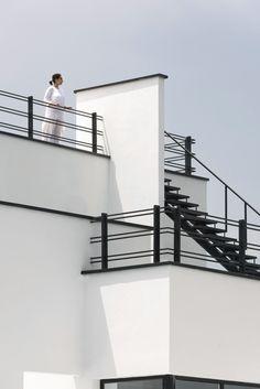 The Tonekabon-based architectural office mrk office has designed Steel Railing Design, Staircase Railing Design, Home Stairs Design, House Gate Design, Door Gate Design, Modern House Design, Modern Houses, Balcony Grill Design, Balcony Railing Design