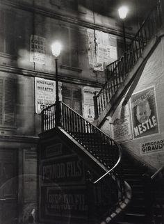 Paris, rue Rollin, 5ème arrondissement, photographie de Brassaï, 1934.