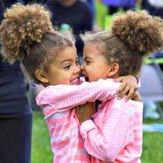 Little Black Girls Hairstyles : Ohhhh my gosh, this is the cutest picture EVER! Ohhhh my gosh, this is the cutest picture EVER! Beautiful Children, Beautiful Babies, Beautiful Moments, Beautiful People, Cute Kids, Cute Babies, Cutest Mixed Babies, Funny Kids, Afro