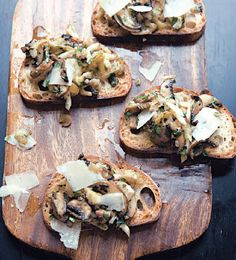 Mushroom and Herb Crostini Recipe