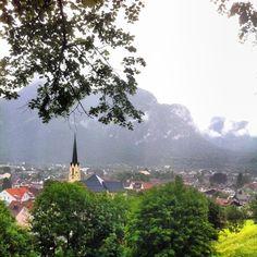 An einem #regentag unterwegs #garmisch #partenkirchen #kramer #kirche #bayern #bavaria #oberbayern #berge #mountains #whereilive #nature #nature_lovers #rain  #cloudy #Padgram