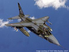 SEPECAT Jaguar, an Anglo-French jet attack aircraft. First flight Royal Air Force of Oman. Military Jets, Military Weapons, Military Aircraft, Jaguar, Fighter Aircraft, Fighter Jets, Equador Quito, War Jet, Jet Plane