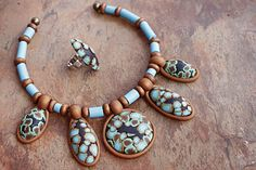 Hey all you Sandy Campers (and beyond). It's a rainy day in SoCal, perfect for doing clay! Here are the step by step instructions to do my speckled turquoisecabochons: