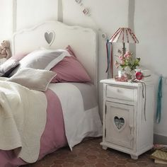 Here is a cute shabby chic collection of photos featuring hearts in the interior. Suitable for your bedroom or for the kid's room, the sweet hearts shapes could be incorporated into the furniture Dream Bedroom, Girls Bedroom, Bedroom Decor, Bedroom Furniture, Mr Price Home, Girl Room, Decorating Your Home, Sweet Home, Interior Design