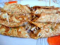 SPLENDID LOW-CARBING          BY JENNIFER ELOFF: SAVORY CHICKEN IN CREPES