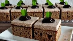 Hrníčkové muffiny s tvarohem a povidly – RECETIMA Pudding, Desserts, Food, Tailgate Desserts, Deserts, Custard Pudding, Essen, Puddings, Postres