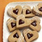 Kořeněná perníková srdíčka Eid Sweets, Lego Cake, Something Sweet, Good Mood, Gingerbread Cookies, Cookie Recipes, Food And Drink, Cooking, Desserts