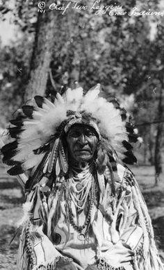 Two Leggings - Crow - circa 1900
