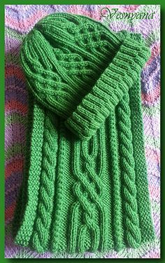 Lovely cable set in sport weight yarn