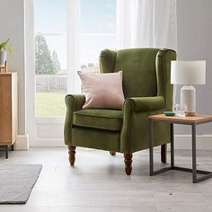 Green Velvet Armchair, Velvet Wingback Chair, Furniture Styles, New Furniture, Green Room Colors, Chair Fabric, Upholstered Furniture, Living Room Chairs, Interior Design