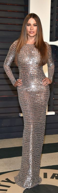 Who made Sofía Vergara's jewelry, platform pumps, and sequin long sleeve gown?