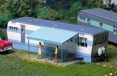 Robert's Road 1950s Mobile Home - Kit - HO-Scale (cty113) City-Classics HO Scale Model Railroad Buildings