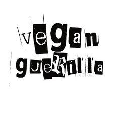 Vegan Essen in Hamburg - Vegan Guerilla Buffalo Chicken Pizza, Couscous Salat Vegan, Pesto Vegan, Die Revolution, Guerrilla, Creme, Brownies, Onion Soup Recipes, Delicious Vegan Recipes