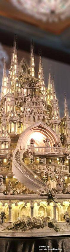 Castle wedding cake by @lenovellcake made for the $43 million fairy-tale wedding of Indonesian couple Glenn & Chelsea Olivia Alinskie.