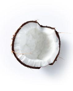 Você sabia que a fórmula da linha Amino Acid contém agentes de limpeza derivados de Aminoácidos e Óleo de Coco? Eles limpam os cabelos de forma delicada e eficaz, deixando-os macios, suaves e mais encorpados. Confira!