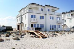 Interior And Exterior, Beach House, Architecture Design, Places To Go, Sauna, Camping, House Design, Vacation, Mansions