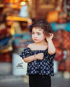 Beautiful Baby Images, Cute Little Baby Girl, Cute Baby Girl Pictures, Beautiful Little Girls, Beautiful Children, Little Girl Photography, Cute Babies Photography, Children Photography, Cute Baby Smile