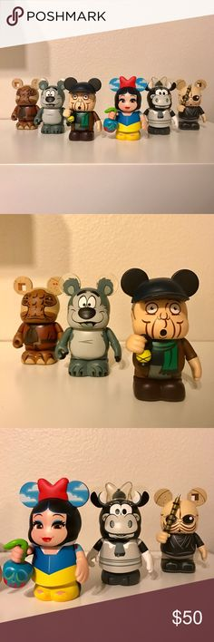 """DISNEY VINYLMATION LOT This is a Lot of SIX Official Disney Vinylmation figurines, including:  1. Star Wars Series 5: """"Momaw Nadon""""                                2. Star Wars Series 5: """"Figrin D'an""""                                     3. Mickey Mouse Club (B&W): """"Humphrey""""                       4. Mickey Mouse Club (B&W): """"Clarabelle""""                       5. Haunted Mansion Series 2 (no name)                          6. Designer Series 2 (Jeff Granito): Reversible Snow White / Evil Queen…"""