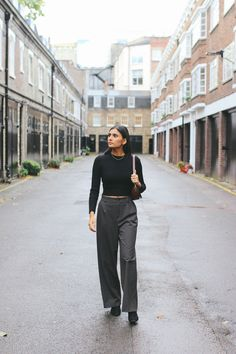 Straight-legged suiting has been on the rise in womenswear for a while now. And while the Fall 2019 runways favoured a more feminine approach to the trend, I'm more into the masculine edge that undoubtedly looks great on women. Checkered Trousers, Lace Bodysuit, Looks Great, What To Wear, Personal Style, Women Wear, Normcore, Feminine, Legs