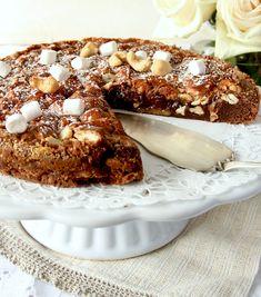 Muggkladdkaka Bagan, Rocky Road Recept, Rocky Road Brownies, Danish Dessert, Cookie Recipes, Dessert Recipes, Single Layer Cakes, Fudge, Tart