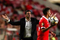 O Benfica e o Sporting de Braga empataram a um golo, no Estádio da Luz, em jogo da primeira jornada do Grupo A da Taça da Liga.