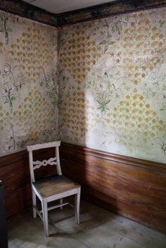 vintage swedish wallpaper (interesting)
