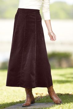 Chadwicks of Boston: This long, paneled skirt in soft stretch corduroy is so right for the season. Comfortable and casual, this skirt is a great alternative to jeans. Love long skirts and boots Modest Dresses, Modest Outfits, Skirt Outfits, Dress Skirt, Midi Skirt, Cute Outfits, Modest Clothing, Clothing Styles, Flare Skirt