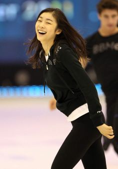 Nice to see her relaxed - Yuna Kim Kim Yuna, High Fashion Makeup, Beautiful Athletes, Ice Queen, Snow Queen, Figure Skating, Ice Skating, Sports Stars, Celebs