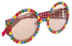 un par de gafas siempre firmadas por agatha allegre,todo lo que diseña  agatha es siempre alegre
