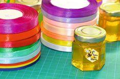 Noi personalizăm mărturiile pentru a se armoniza cu evenimentul vostru și vă oferim o gamă largă de culori.  Avem în lucru câteva modele… Honey, Ribbon, Crafts, Instagram, Food, Tape, Manualidades, Band, Essen