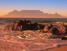 One of THEEE most beautiful places in the worldSouth Africa - Cape Town, Table Mountain. One of THEEE most beautiful places in the world Beautiful Places In The World, Places Around The World, Around The Worlds, Beautiful Beaches, Places To Travel, Places To See, Cape Town South Africa, South Africa Beach, Photos Voyages
