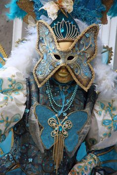 Carnevale in Venice, Italy, in February 2011 Venetian Carnival Masks, Carnival Of Venice, Venice Carnivale, Carnival Costumes, Cool Costumes, Costume Venitien, Butterfly Mask, Masquerade Ball, Mask Design