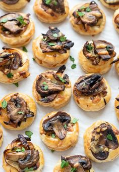 These cute little Cheesy Mushroom Puff Pastry Bites were made to be munched on.