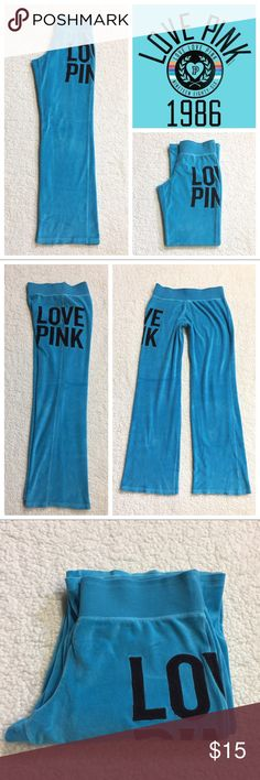 New🍃《PINK》Soft Blue Signature fit Lightly worn old school Love pink Sweatpants. [No pockets] excellent condition. ★☆ I have cats  ❮•may not get every hair off item•❯ ★ bundle & save money ✓ feel free to ask questions ✓ smoke free home ✘ no trades ✘ no lowball offers ❥ Thank you for shopping my closet ✘✘ manda PINK Victoria's Secret Pants Boot Cut & Flare