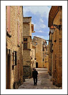 The golden village • - Castillon-du-Gard, Languedoc-Roussillon, France