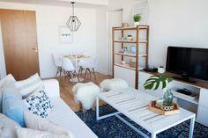 Luz y Muebles: cómo decorar un departamento chico – Decocasa Home And Living, Living Room, Small Apartment Decorating, Small Apartments, Sweet Home, New Homes, Kids Rugs, Instagram, House