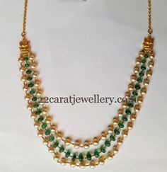 Jewellery Designs : Pearls and Emeralds Step Chain Beaded Jewelry Designs, Jewelry Patterns, Necklace Designs, India Jewelry, Temple Jewellery, Gold Jewellery, Jewelery, Rajput Jewellery, Designer Jewellery