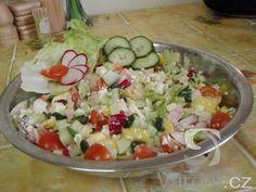 Vypadá skvěle a chutná ještě lépe. U nás doma se po salátu vždy jen zapráší. Cobb Salad, Potato Salad, Potatoes, Vegetables, Ethnic Recipes, Food, Vegetable Salads, Fitness, Party