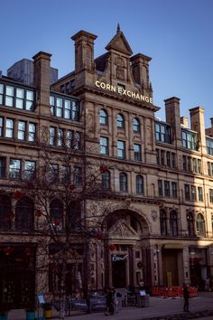 It had been years since I had a staycation in the city, so when Roomzzz offered us a night's stay at their newly opened hotel in Manchester, I of… Visit Manchester, Manchester Hotels, Manchester City Centre, Manchester United, Midland Hotel, British Travel, East Yorkshire, Northern England, Salford