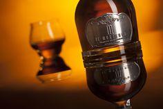 De Monterra Brandy on Packaging of the World - Creative Package Design Gallery