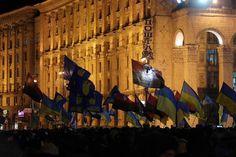 Itsenäisyydenaukion mielenosoitus Kiovassa 3.12.2013.