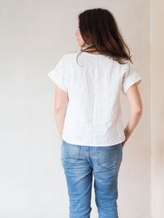 The perfect summer boxy top. Made using Marilla Walker's Maya pattern and a few extra tweaks. For more check out Randomly Happy