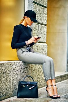 Street style | Black minimal chic