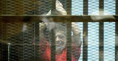 Ex-presidente egípcio Morsi é condenado de novo à prisão perpétua