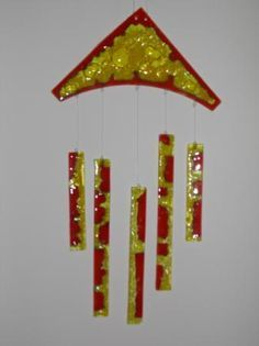 llamadores de ángeles llamadores de ángeles vidrio vitrofusión                                                                                                                                                                                 Más D N Angel, Glass Art Design, Glass Wind Chimes, Glass Texture, Fused Glass, Art Projects, Diy And Crafts, Jewelry Making, Crafty