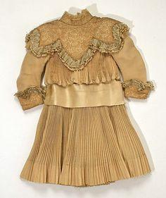 Dress (1902-05) fashioned in Fortuny silk