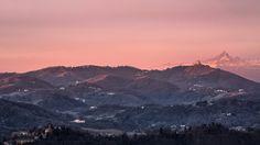 Ecco alcune immagine scattate dal fotografo Valerio Minato tra le 7.30 e le 8.30 di due giorni fa. Le foto del panorama di Torino, la vista del Monviso dietro